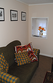 Broomlands sitting room1