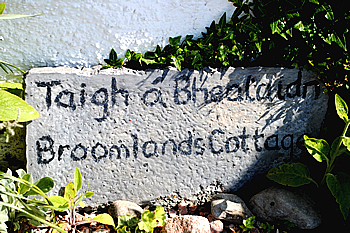 BroomlandsCottageSign